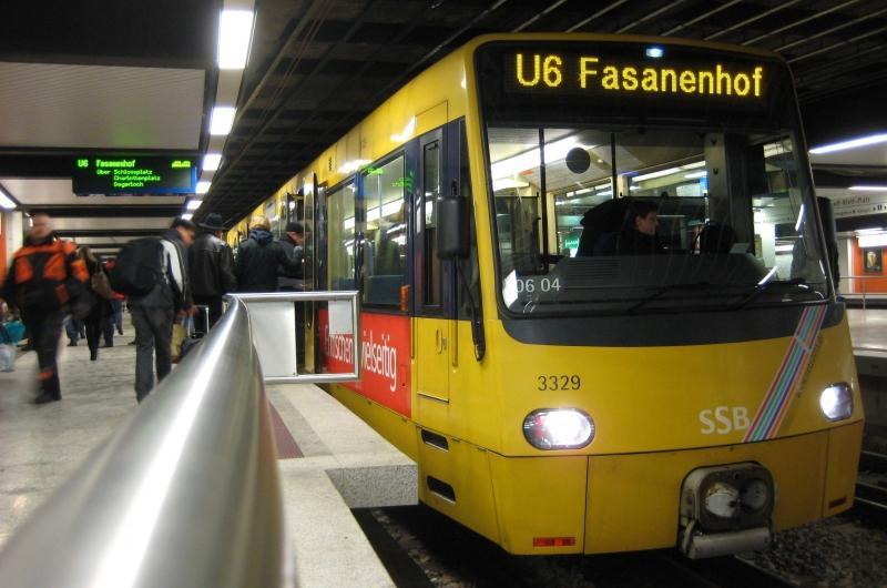Immer mehr Rathausmitarbeiter fahren Bahn und Bus. Foto: Stadt Stuttgart / Beutel